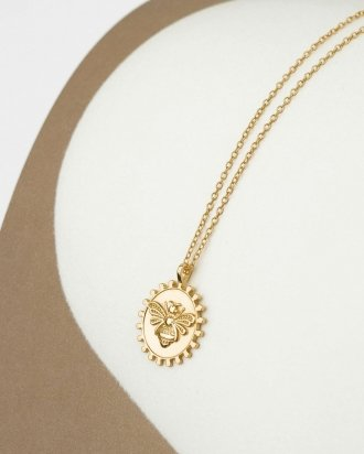 Bee medallion gold